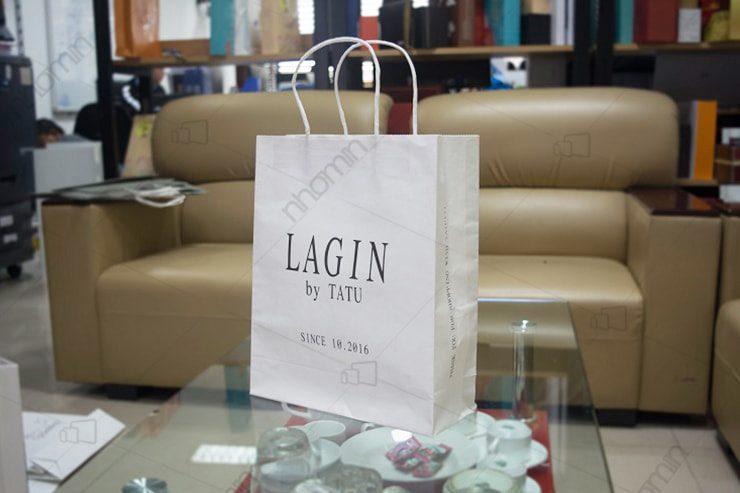 in túi giấy kraft rẻ cho các của hàng quần áo